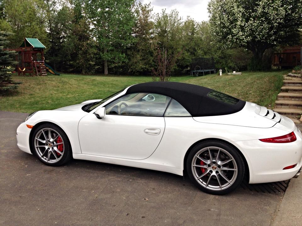 Porsche 991 leaves after seasonal maintenance